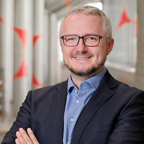 Prof. Dr. Damian Borth, Academic Director of the DCS